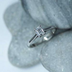 small diamond and platinum ring bspoke from Guy Wakeling Jewellery