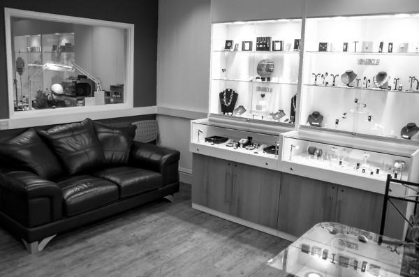 Guy Wakeling Jewellery bespoke jeweller workshop