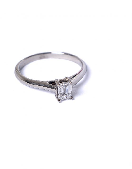 Flawless Collection, Flawless Diamond Collection, Emerald Cut Diamond, Emerald Cut Diamond Solitaire Ring, Emerald Cut Diamond and Platinum Ring, Platinum Diamond Ring, Platinum Diamond Solitaire Ring, 0.50ct Emerald Cut Diamond,GIA Certified, Engagement Ring